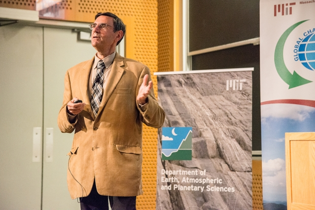 2017 Kendall Lecture speaker Thomas Karl (Photo: Vicki McKenna/Department of Earth, Atmospheric and Planetary Sciences)